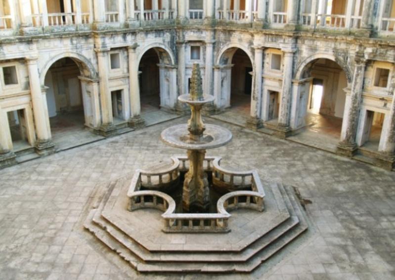 Mosteiro de Tomar, ou o Convento de Cristo, em Portugal
