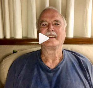 John Cleese em vídeo no Instagram