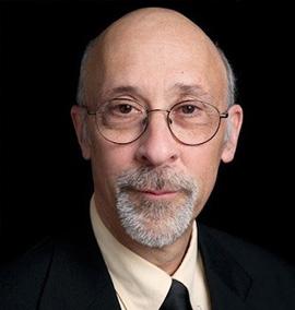 Paul Lewis, estudioso de piada na pandemia