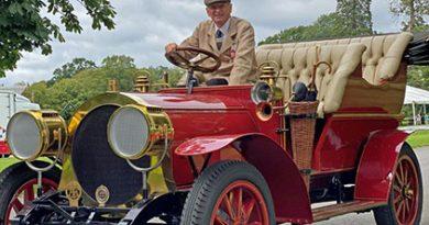 Museu Restaura Carro Usado em Filme de Terry Jones